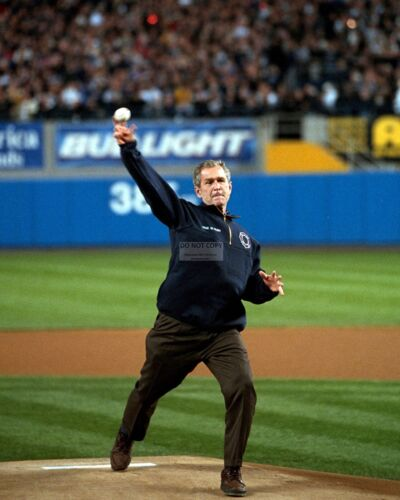 GEORGE W. BUSH THROWS FIRST PITCH DURING 2001 WORLD SERIES - 8X10 PHOTO (BB-768)
