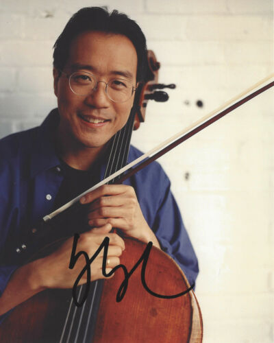 YO-YO MA SIGNED AUTHENTIC 8X10 PHOTO w/COA AMERICAN CELLIST COMPOSER