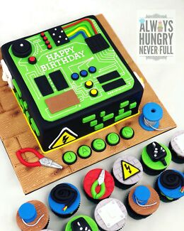 Circuit Board / Electrical Cake & Cupcakes