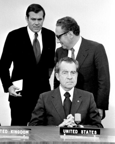 RICHARD NIXON, HENRY KISSINGER & DONALD RUMSFELD NATO 1974 - 8X10 PHOTO (EP-576)
