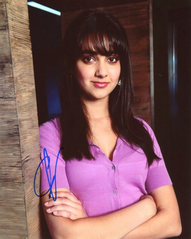 """Geraldine Viswanathan """"Miracle Workers"""" AUTOGRAPH Signed 8x10 Photo"""
