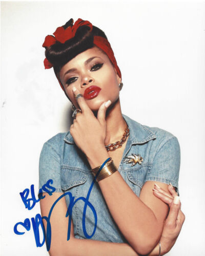 SINGER ANDRA DAY SIGNED AUTHENTIC 8X10 PHOTO C w/COA CHEERS TO THE FALL PROOF