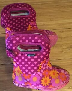 Vguc Bogs Booties size 4 toddler girl