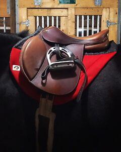 """17"""" Intrepid Gold close contact saddle"""