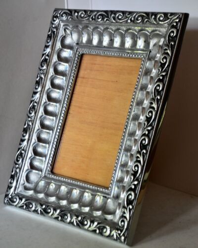 VINTAGE HEAVY PEWTERPICTURE FRAME SILVER, SCALLOP & SCROLL DESIGN, 9 x 7
