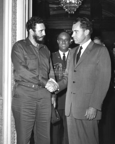 RICHARD NIXON AND FIDEL CASTRO CONCLUDE MEETING IN 1959 - 8X10 PHOTO (BB-753)