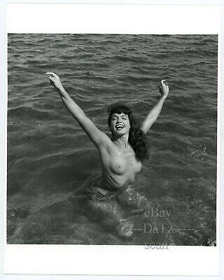 Original Bunny Yeager Photo-sexy pinup girl Betty Page-cheesecake 8x10 u100586