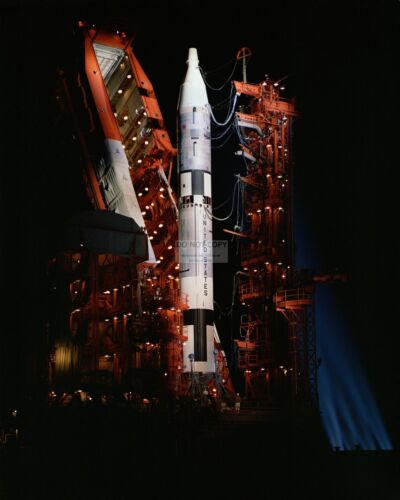 NIGHTTIME SHOT GEMINI-TITAN SPACECRAFT ON PAD IN 1964 - 8X10 NASA PHOTO (AA-449)
