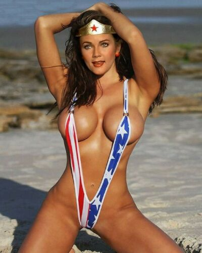 Gorgeous Lynda Carter - Wonder Woman - Patriotic Bikini - 11 x 14 Glossy