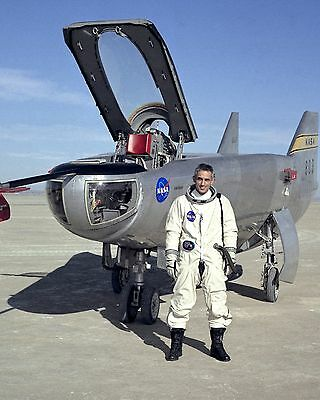 NASA RESEARCH PILOT JOHN MANKE WITH M2-F3 LIFTING BODY - 8X10 PHOTO (EP-144)