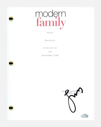Jesse Tyler Ferguson Signed Modern Family Pilot Episode Script Cameron ACOA COA