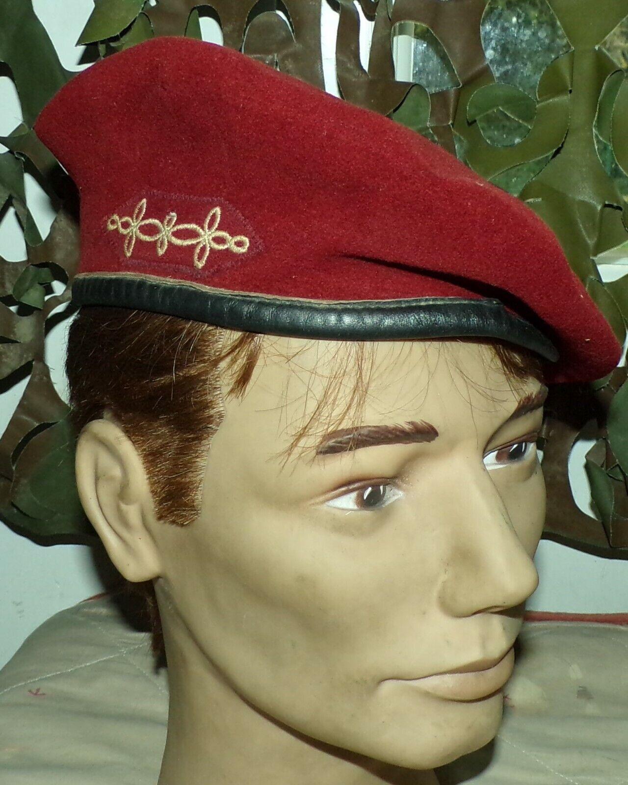 Beret rouge des hussards parachutistes  de l'armee francaise , fabrication franc