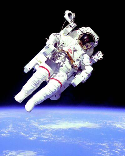 ASTRONAUT BRUCE McCANDLESS DURING UNTETHERED SPACEWALK - 8X10 NASA PHOTO (DD205)