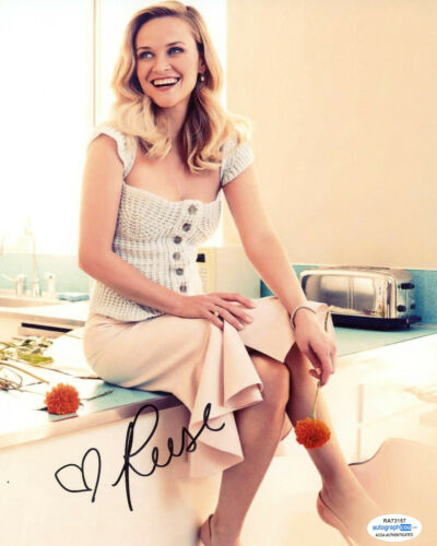 """Reese Witherspoon """"Big Little Lies"""" AUTOGRAPH Signed 8x10 Photo ACOA"""
