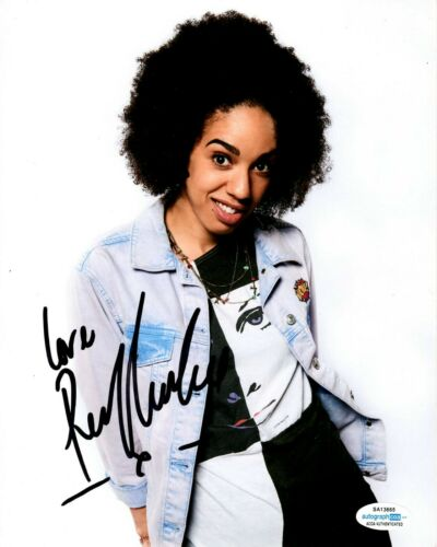 Pearl Mackie Doctor Who Autographed Signed 8x10 Photo ACOA #5