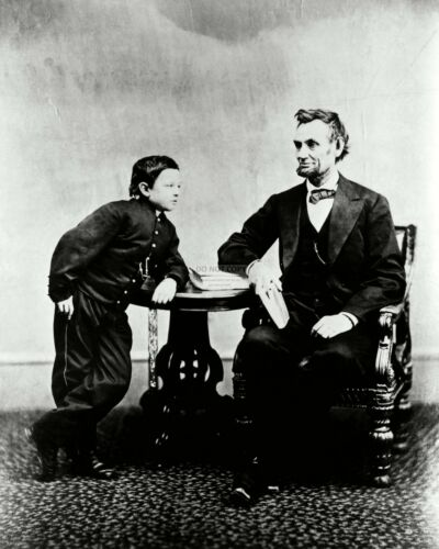 """PRESIDENT ABRAHAM LINCOLN SEATED WITH HIS SON THOMAS """"TAD"""" - 8X10 PHOTO (ZZ-721)"""