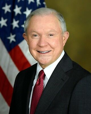ATTORNEY GENERAL JEFF SESSIONS - 8X10 PHOTO (AA-544)