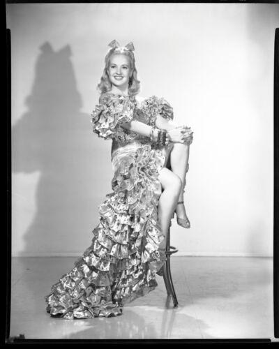 BETTY GRABLE Original Vintage 1940s 8x10 Fox Studio CHEESECAKE Portrait Negative