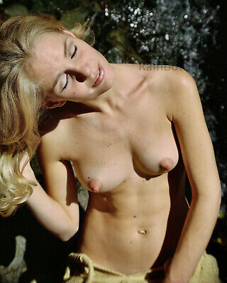B284 8x10 PERKY '60s Pinup Showing Her EXTRAORDINARY ALL NATURAL CHARMS! (NUDES)