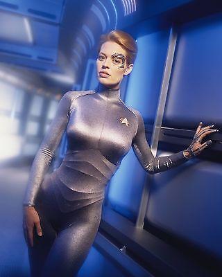 Jeri Ryan Unsigned 8X10 Photo  40  Star Trek Voyager