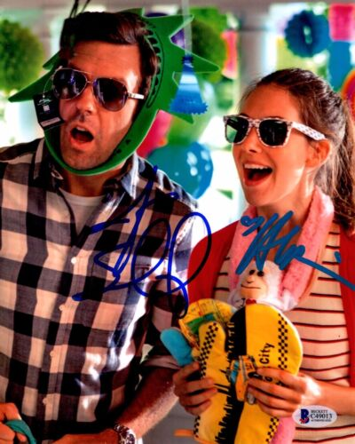 JASON SUDEIKIS ALISON BRIE SIGNED SLEEPING WITH OTHER PEOPLE 8X10 PHOTO AUTO PSA