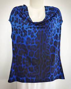 LADIES BLUE TOP.   BRAND: 'JANE LAMERTON'.   SIZE 16. Redcliffe Redcliffe Area Preview