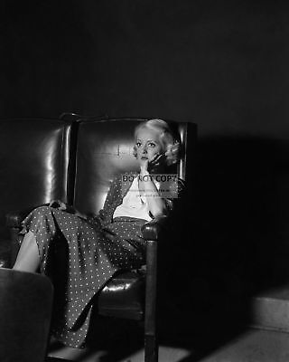 - BETTE DAVIS LEGENDARY ACTRESS - 8X10 PUBLICITY PHOTO (CC694)