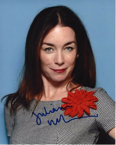 ACTRESS JULIANNE NICHOLSON SIGNED LAW & ORDER CRIMINAL INTENT 8x10 PHOTO W/COA