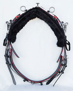 Quick-Hitch-Style-Trotting-Back-Saddle-and-Girth-Black-Red