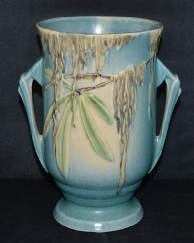 "Beautiful Roseville Pottery ""Moss"" 777-7""  Vase. - Very Nice"