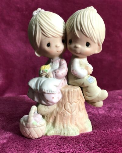 "Precious Moments Figurine E1376 ""Love One Another"" Original 21 No Mark w/box"