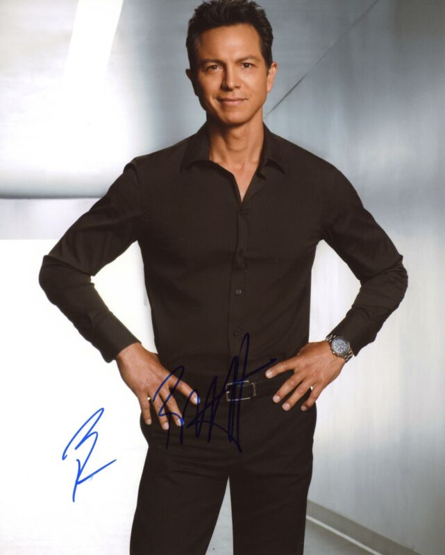 "Benjamin Bratt ""Law & Order"" AUTOGRAPH Signed 8x10 Photo D ACOA"
