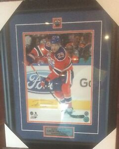 Signed and framed 11x14 Leon Draisaitl w/ COA