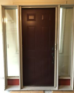 Attrayant Front Door Entrance   Glass Side Panels   Hidden Screen Rollout