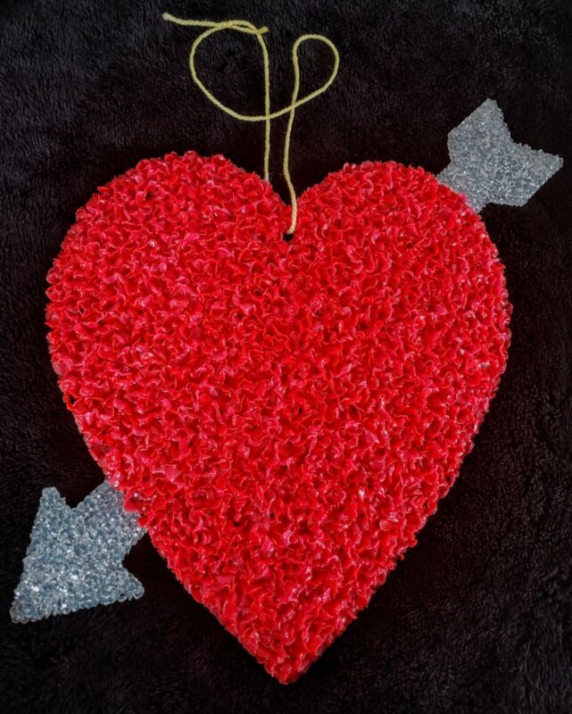 Vintage Valentines Day Heart w/ Arrow Melted Plastic Popcorn Decoration Wedding❤