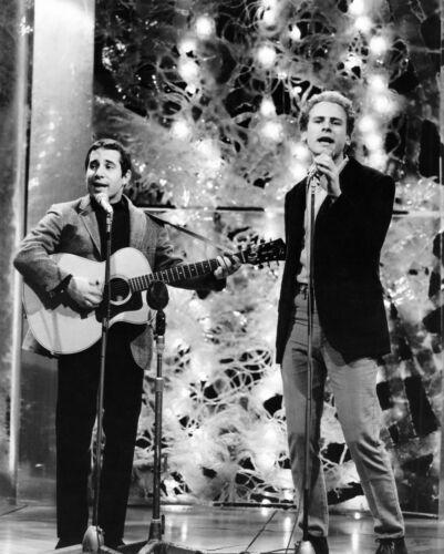 Simon & Garfunkel -  MUSIC PHOTO #31