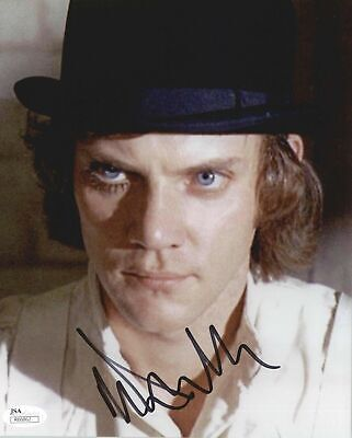 MALCOLM MCDOWELL, ACTOR SIGNED 8X10