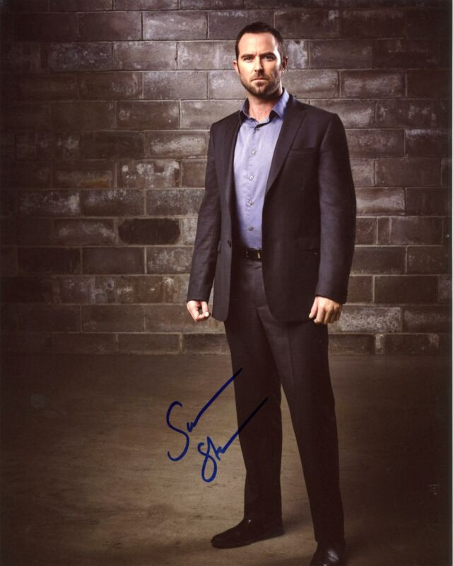 "Sullivan Stapleton ""Blindspot"" AUTOGRAPH Signed 8x10 Photo B ACOA"