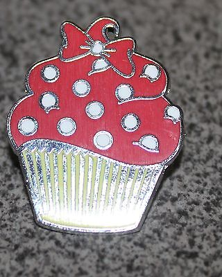 DISNEY PIN MINNIE MOUSE CUPCAKE YELLOW WRAPPER RED FROSTING WHITE - Minnie Mouse Sprinkles