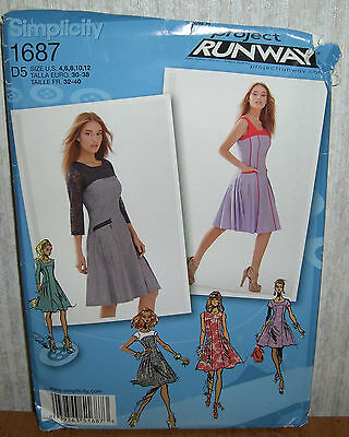 Misses & Miss Petite Dresses Sewing Pattern/Simplicity 1687/SZ 4-12/UCN