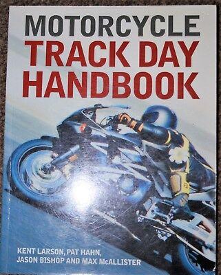 MOTORCYCLE TRACKDAY HANDBOOK SOFT BACKED BOOK