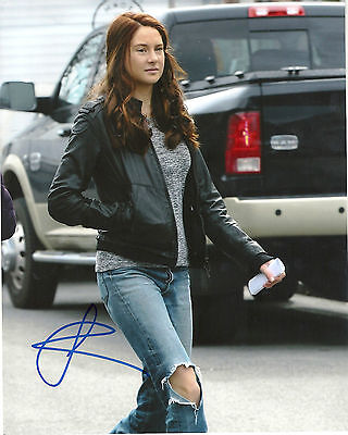 Shailene Woodley Divergent Beatrice Tris Prior Signed 8X10 Picture 3  Coa