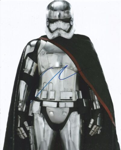 Gwendoline Christie Signed Star Wars: The Force Awakens 10x8 Photo AFTAL