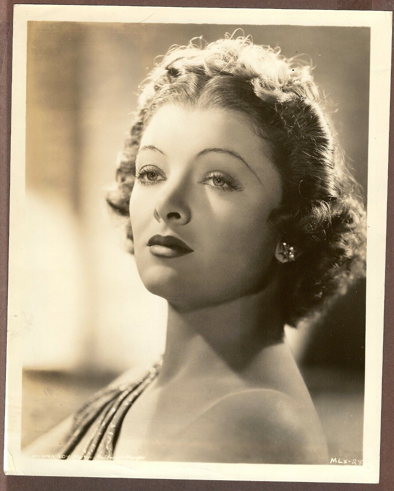Undated Press Photo Portrait Style Image Of Actress Myrna Loy - $9.99