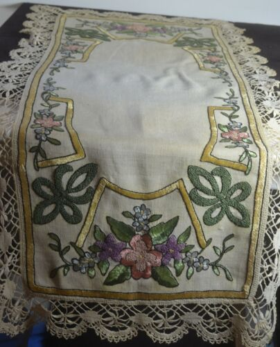 ANTIQUE ARTS & CRAFTS EMBROIDERED LINEN RUNNER UU500