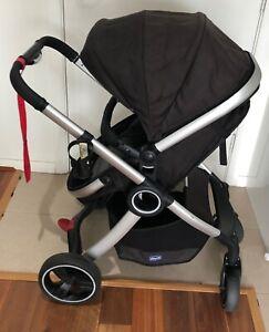 Chicco Urban Pram and baby car seat capsule