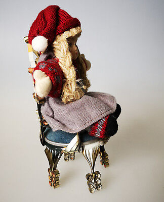 vintage Metall Stuhl aus Blechdose Puppenhaus Kunstwerk Unikat mit Jule Puppe