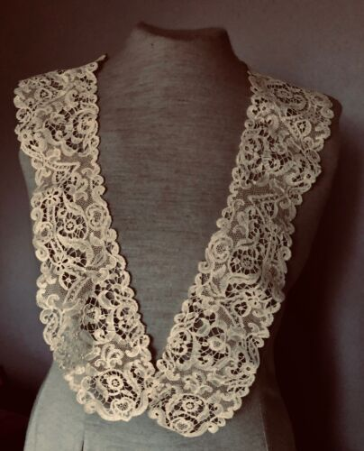19th C. elegant Brussels  Vieux Flandre long collar  COSTUME COLLECT