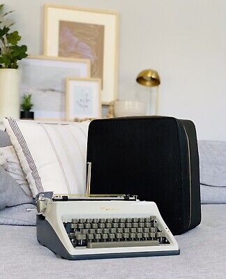 1968 Olympia SM8 Typewriter - 3452493 - RARE Grey Keyboard w/case