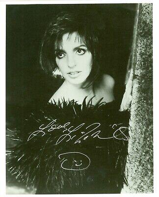 Liza Minnelli autographed hand signed photo Judy Garland daughter Liza Minnelli Signed